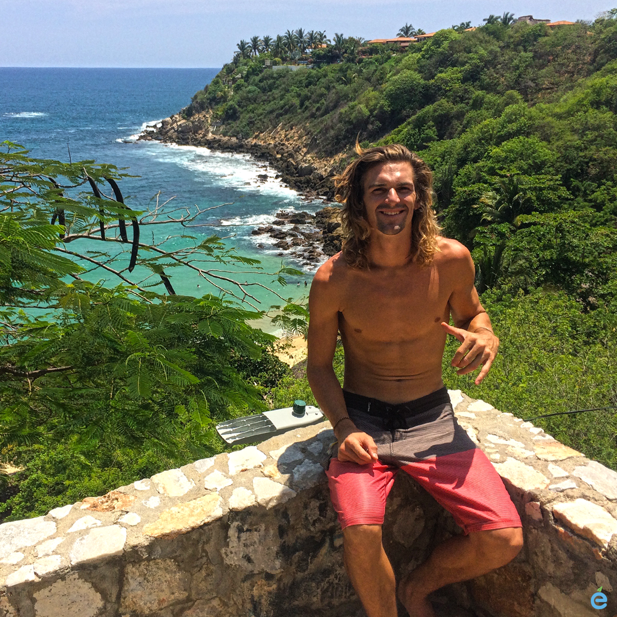mitch-puerto-escondido-june-2016-shaka-above-the-surf.png