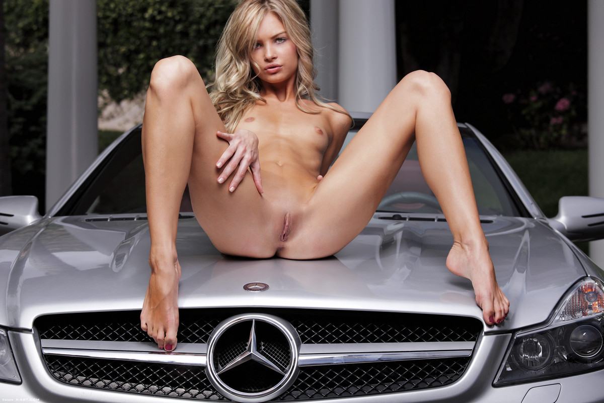 Sexy nude girls on cars