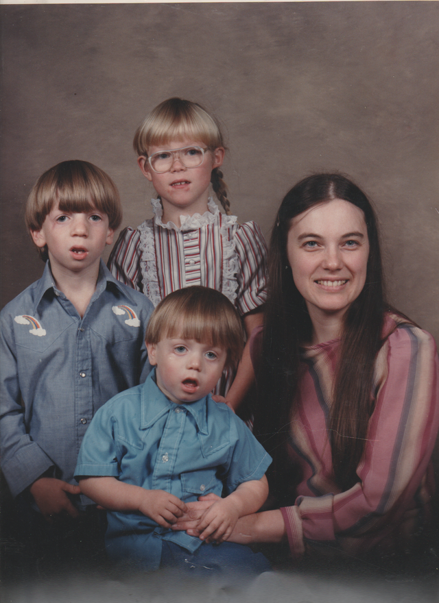 1987-11 - Rick, Katie, Marilyn, Joey - Family Photo - SMALLER.png